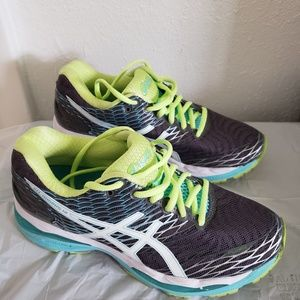 Womens athletic shoes size 7
